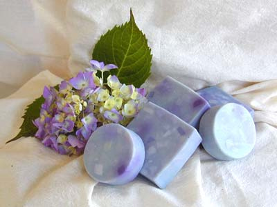 Lilac & Glycerin Soap - 2.5 Oz Round Bar
